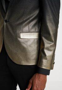 Twisted Tailor - THESEUS JACKET - Blazere - gold - 4