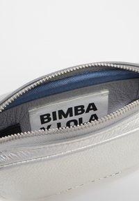 Bimba Y Lola - Schoudertas - silver - 4