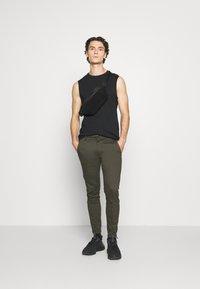 Gabba - PISA DALE PANTS - Trousers - army - 1