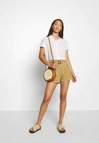 ONLY - ONLKILEY NEOLA LIFE - Short - dijon - 1
