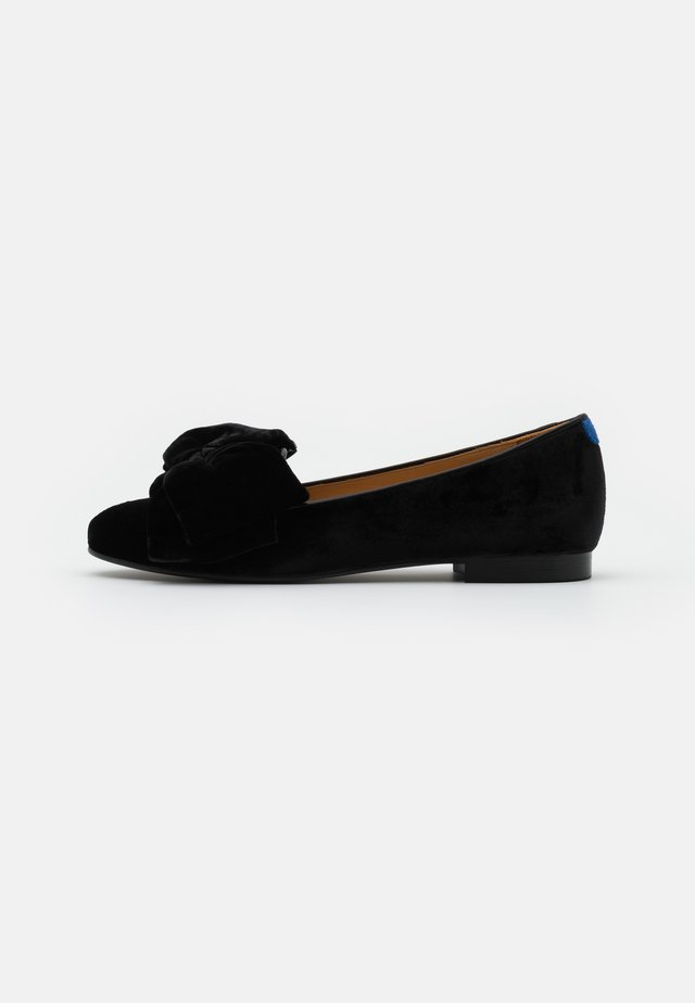 CLASSIC - Loaferit/pistokkaat - archibald/black