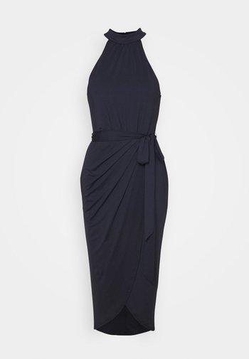 HIGH NECK PLEAT DRESS - Cocktailkjole - navy