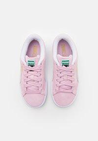 Puma - CLASSIC XXI - Tenisky - pink lady/white - 3
