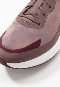 Nike Sportswear - AIR MAX DIA - Sneaker low - plum eclipse/black/night maroon/summit white - 2