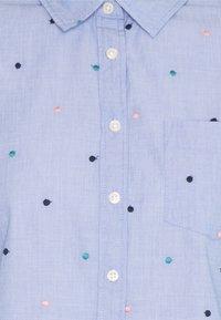 Springfield - CAMISA FILAFIL BORDAD - Button-down blouse - light blue - 2