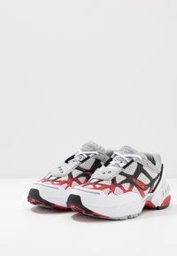 Saucony - GRID WEB - Sneaker low - white/grey/red - 2