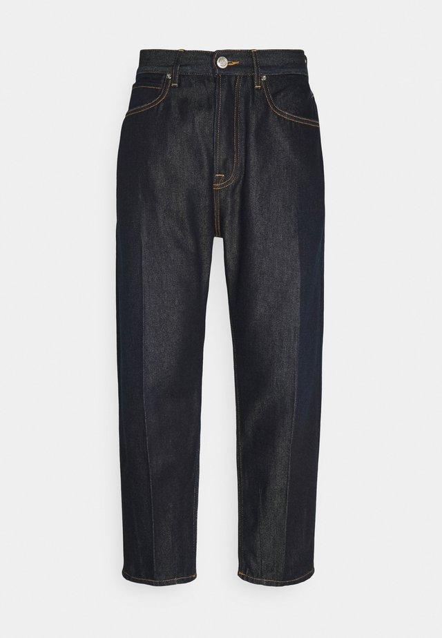 SUPER WIDE PYRITE - Jeans Tapered Fit - dark-blue denim