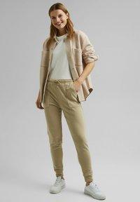 Esprit - FASHION  - Basic T-shirt - off white - 1