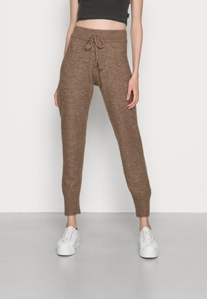 ONLSTAY PANT  - Trousers - lion