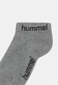 Hummel - TORNO 3 PACK UNISEX - Trainer socks - grey melange - 2