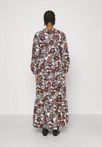 Scotch & Soda - VOLUMINOUS PRINTED ORGANIC DRESS - Denní šaty - white/brown - 2