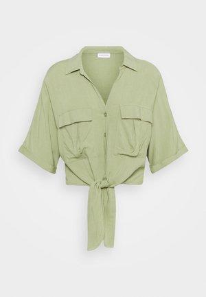 CARGO - Camisa - grün