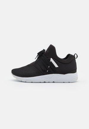 RAVEN S-E15 UNISEX - Sneakers laag - jet black/white