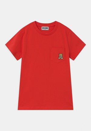 UNISEX - T-shirt print - poppy red