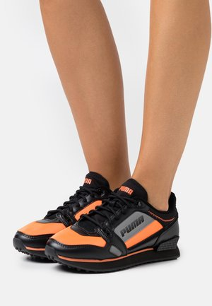 MILE RIDER BRIGHT PEAKS - Trainers - ultra orange/black