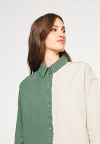 Missguided Tall - COLOURBLOCK OVERSIZED DRESS - Denní šaty - green - 4