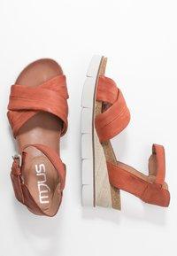 MJUS - Sandály na klínu - cannella - 3