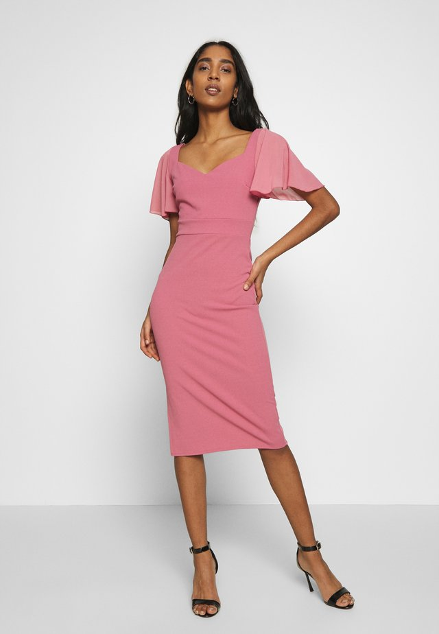 FLUTTER CAP SLEEVE MIDI DRESS - Sukienka koktajlowa - mellow rose