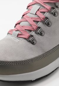 The North Face - Hiking shoes - micro chip grey/mauveglow - 5