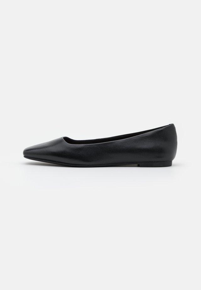 DERITH - Ballerina's - black
