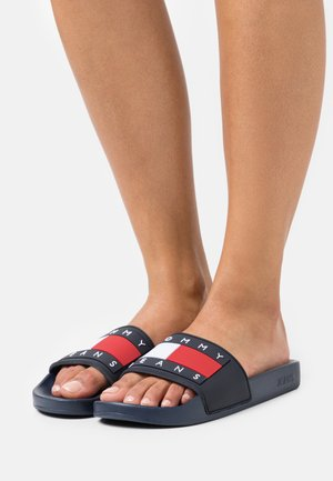 FLAG POOL SLIDE - Pantolette flach - twilight navy