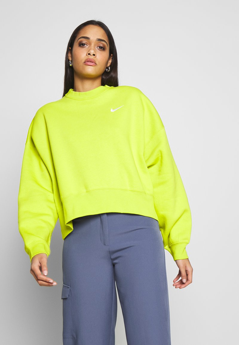 Nike Sportswear - CREW TREND - Sweatshirt - bright cactus