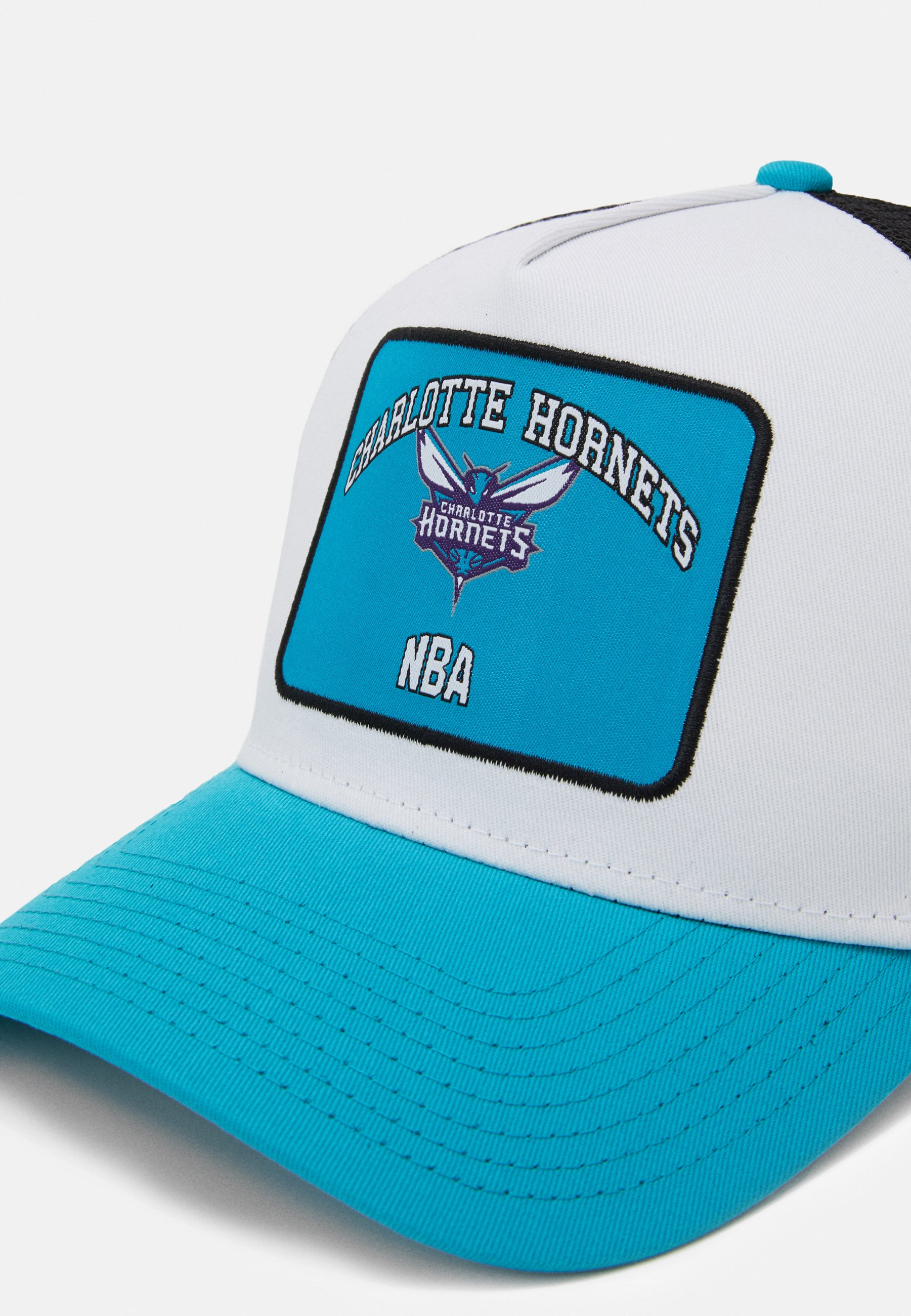 New Era Graphic Patch Trucker - Cap Light Blue/white/hellblau