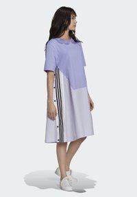 adidas Originals - Dry Clean Only xSHIRT DRESS - Jerseykjoler - light purple - 1
