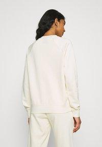 Nike Sportswear - Sweatshirt - coconut milk/black - 2