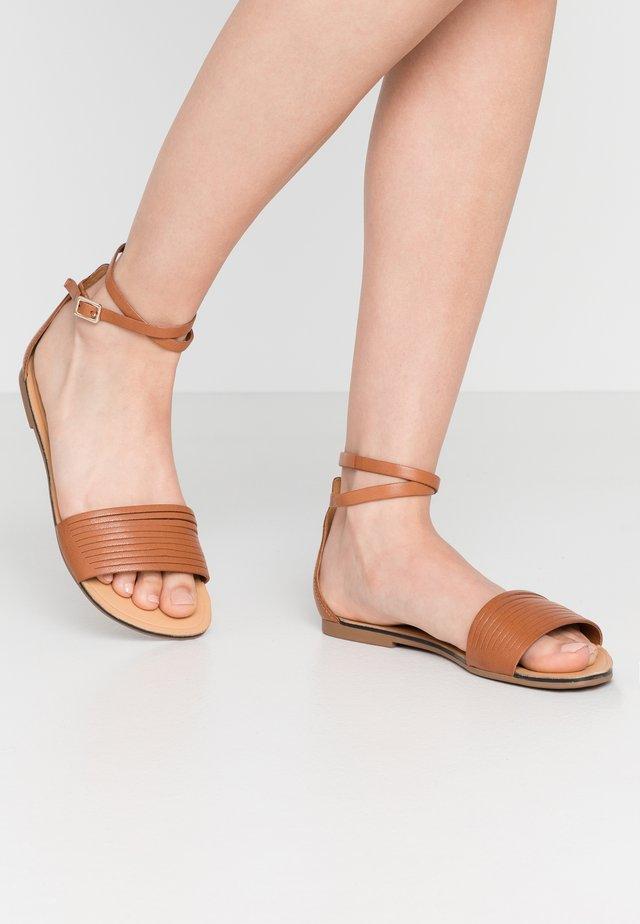 TIA - Sandals - tan