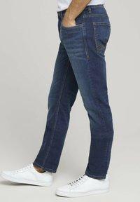 TOM TAILOR - TAVIS REGULAR  - Straight leg jeans - dark stone wash denim - 3