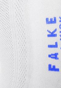 Falke - COOL KICK - Trainer socks - white - 1