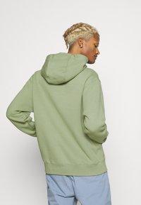 Nike Sportswear - CLUB HOODIE - Sweatshirt - oil green - 2