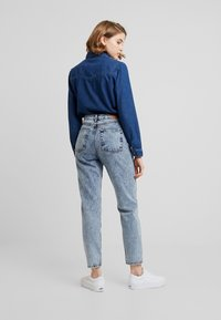 BDG Urban Outfitters - MOM - Relaxed fit jeans - acid wash blue - 2