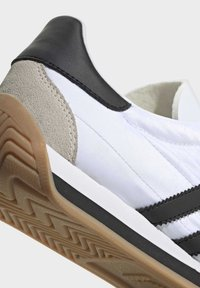 adidas Originals - COUNTRY OG SHOES - Sneakers basse - white - 8