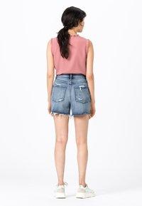 HALLHUBER - MIT DESTROY EFFEKTEN - Denim shorts - blue denim - 2