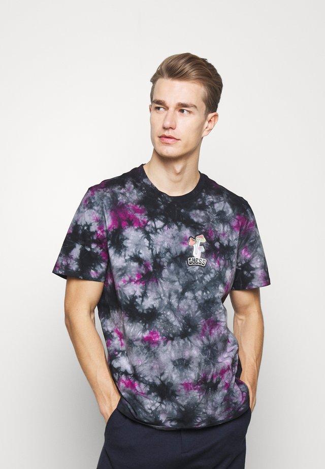 CAMOU - Print T-shirt - black