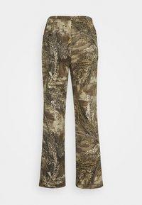 HUF - LINCOLN - Flared Jeans - khaki - 1