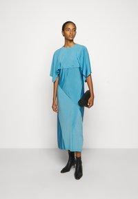 MM6 Maison Margiela - Žerzejové šaty - blue - 1