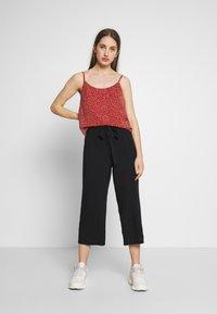 ONLY - ONLNOVA LIFE CROP PALAZZO PANT - Trousers - black - 1