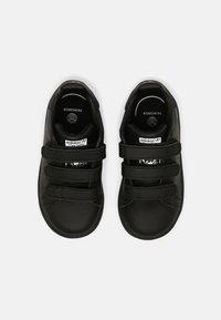 adidas Originals - STAN SMITH UNISEX - Sneaker low - core black/white - 3