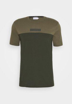 COLOR BLOCK - Print T-shirt - green