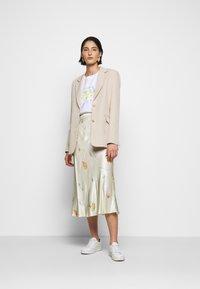 CECILIE copenhagen - GYRITH - Pencil skirt - cream - 1