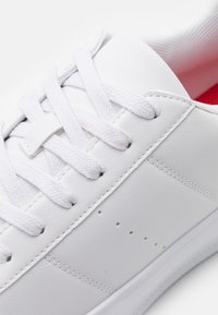 YOURTURN - UNISEX - Sneakers - white/red - 5