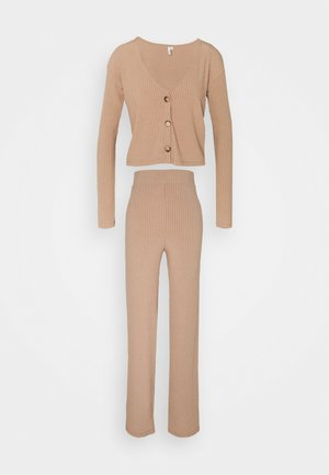 BUTTON CARDIGAN SET - Neuletakki - beige