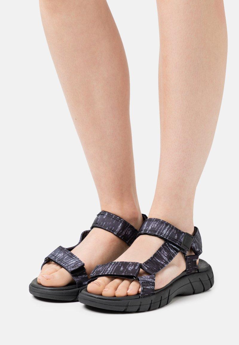 KangaROOS - K-TRAMP - Sandales de randonnée - jet black