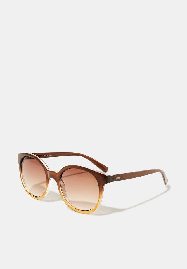 SONNENBRILLE AUS KUNSTSTOFF - Sunglasses - brown