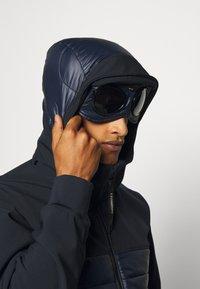 C.P. Company - OUTERWEAR MEDIUM JACKET - Lehká bunda - total eclipse - 3