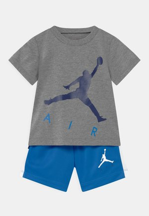 JUMPING BIG AIR SET UNISEX - T-shirt print - signal blue