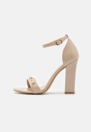 WIDE FIT CHRYSTA - Sandaletter - nude